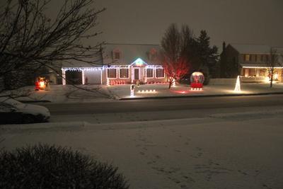 Roberts Christmas Light Display
